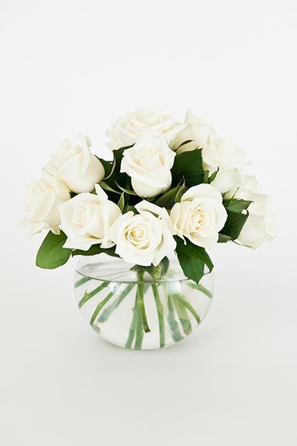 White Roses In A Fish Bowl Vase White Rose Centerpieces Fish Bowl Centerpiece Wedding Wedding Vases