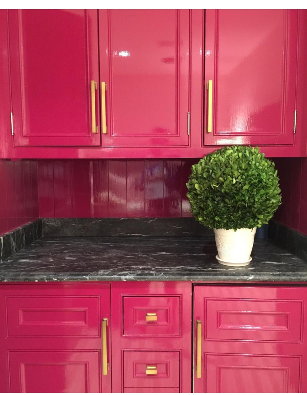 Pink And Black Kitchen Google Search In 2020 Pink Kitchen Decor Hot Pink Kitchen Pink Kitchen Cabinets