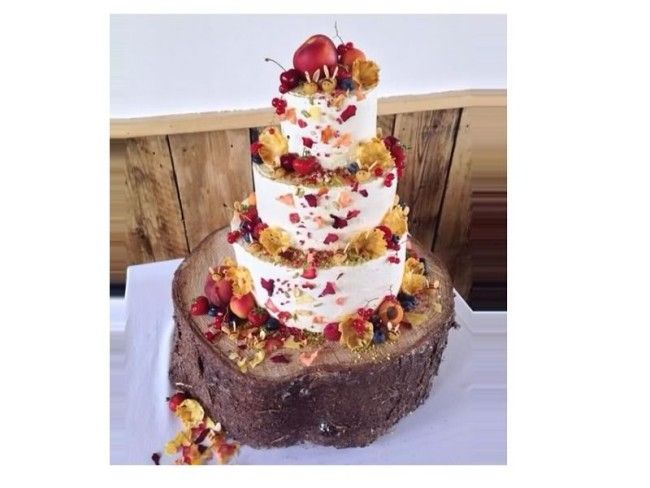 The Great British Bake Off Is Once Again Filling Our Screens With Baked Delights Here Are Wedding Cakes From Nadia And Frances