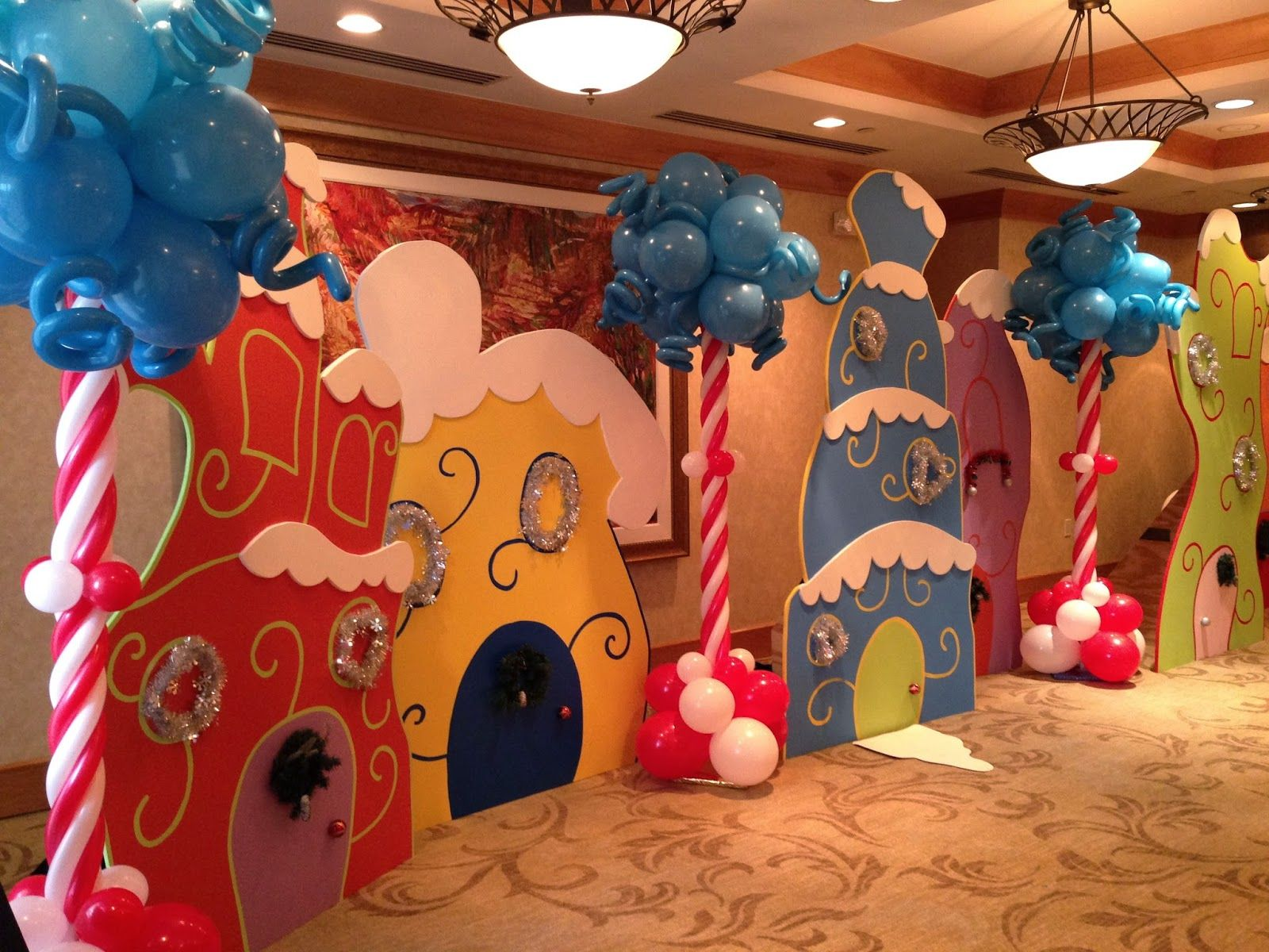 The Cat In The Hat Dr Seuss Party Decoration Ideas Grinch