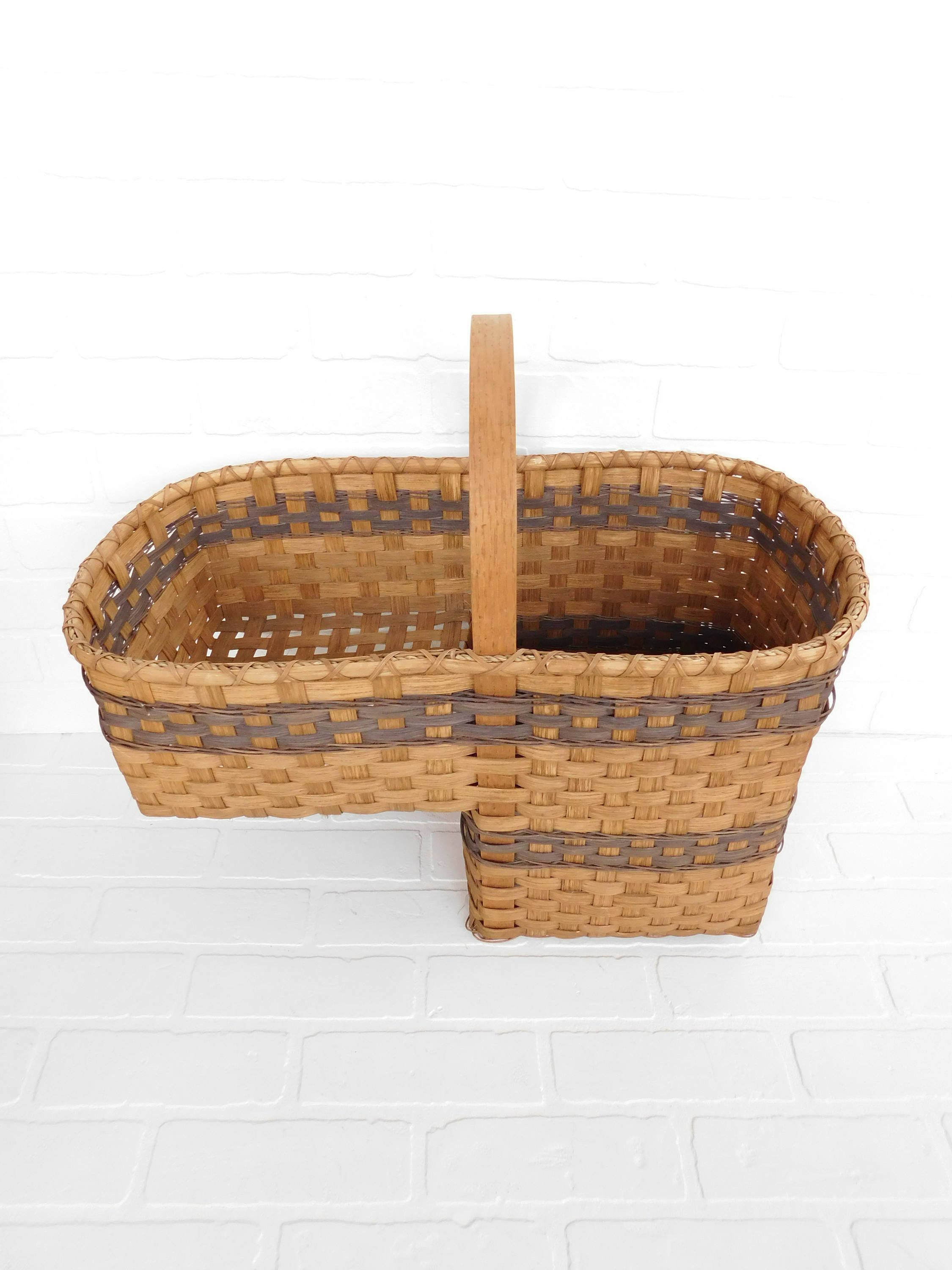 Vintage Handwoven Stair Step Basket, Stair Basket With Handle, Storage  Basket Primitive, Farmhouse Chic, Gathering Basket