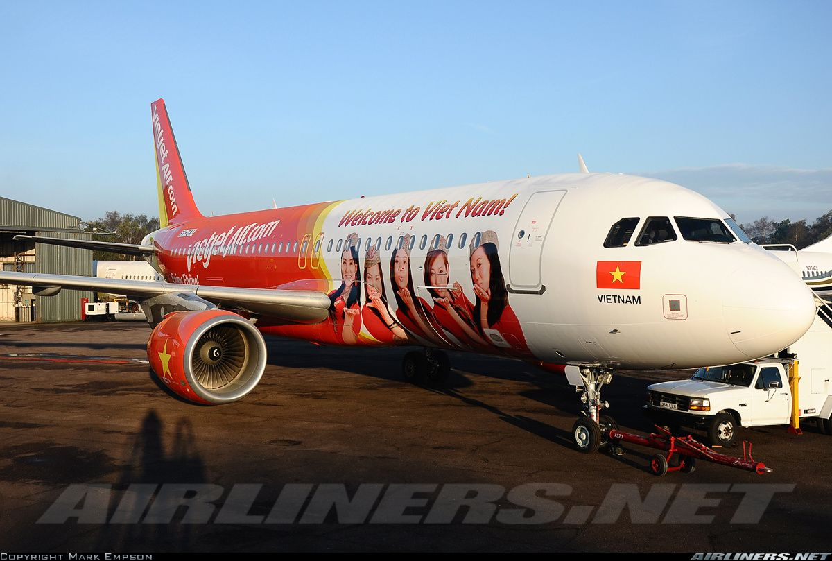 Vietjet Air SX-OAT / VN-A689 Airbus A320-214 aircraft picture