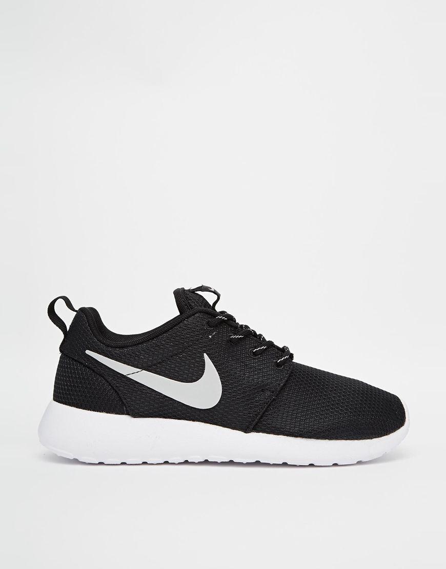 Image 2 of Nike Roshe Run Black Sneakers