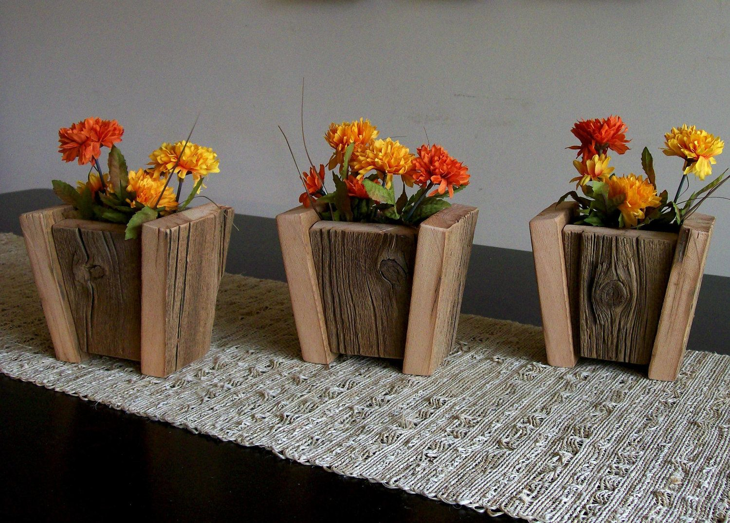 Pin By Jerry Atkinson On Reclaimed Pallets Barn Wood Crafts Barn Wood Projects Wooden Plant Pots