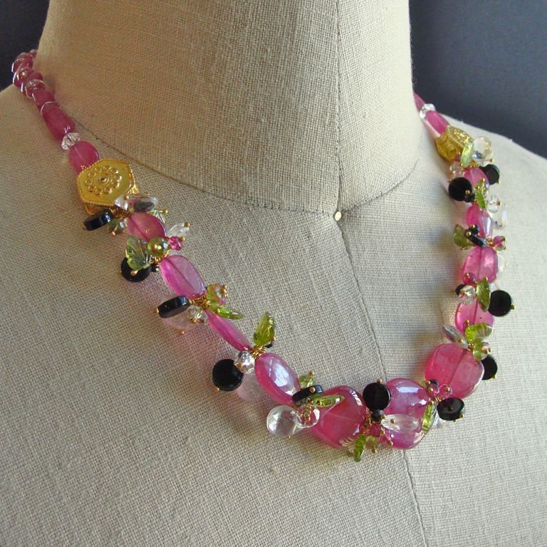 Pink Sapphire Slices Peridot Leaves Necklace - Paris au Printemp | From a unique collection of vintage beaded necklaces at http://www.1stdibs.com/jewelry/necklaces/beaded-necklaces/
