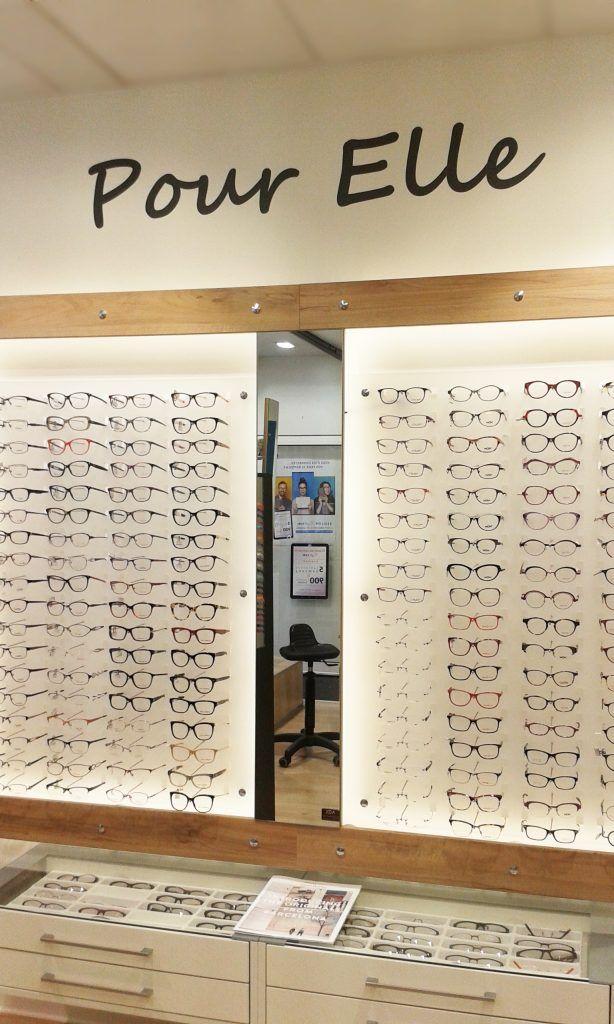 Showroom JCDA - agencement de l espace lunettes pour femme   law ... a3730e8d703b