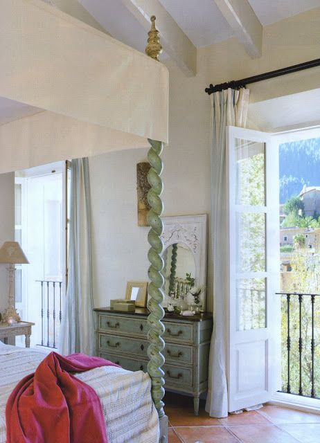 Traditional Mallorcan W English And Provencal Dream