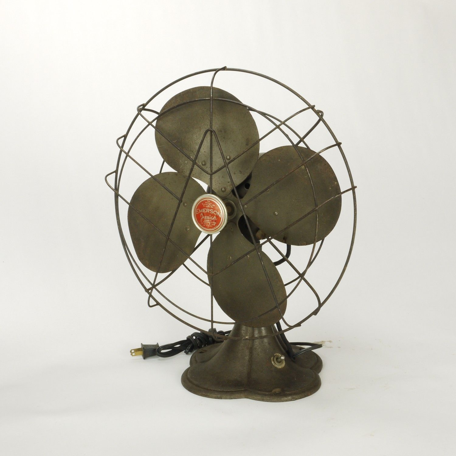 Vintage Fan just found an emerson electric junior fan (1939-1949) at a local