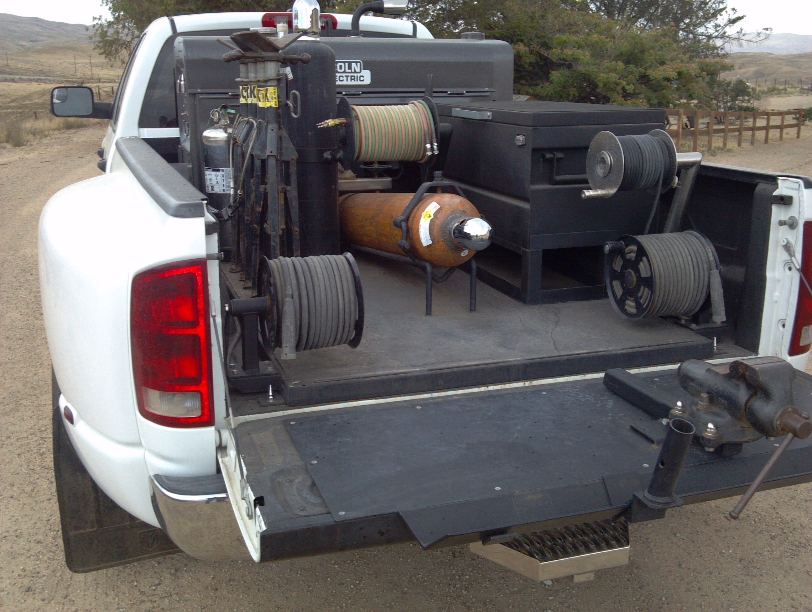 2006 Dodge ram 3500 welding truck with a classic 300D