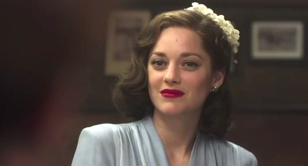 Wonderful French Actress Marion Cotillard And Brad Pitt Have