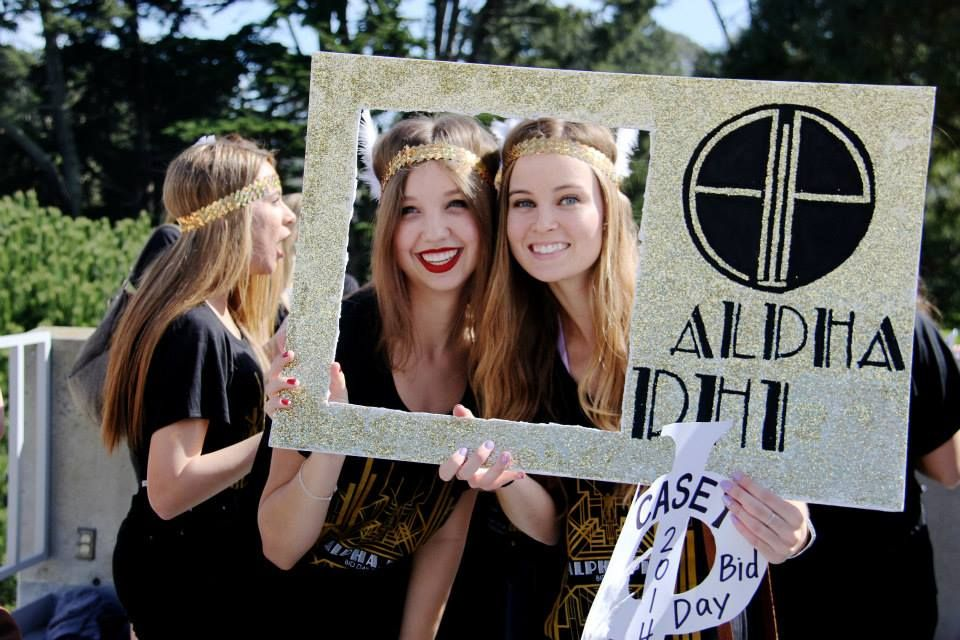 Alpha Phi at San Francisco State University #AlphaPhi #APhi #BidDay #PhotoOp #sorority #SFSU