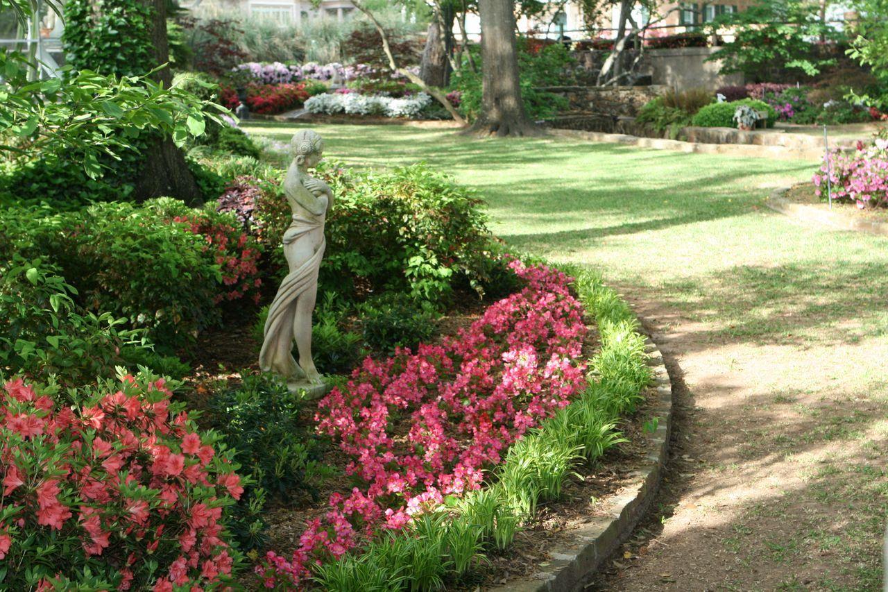 The Azalea And Spring Flower Trail In Tyler Texas Azaleas Roses