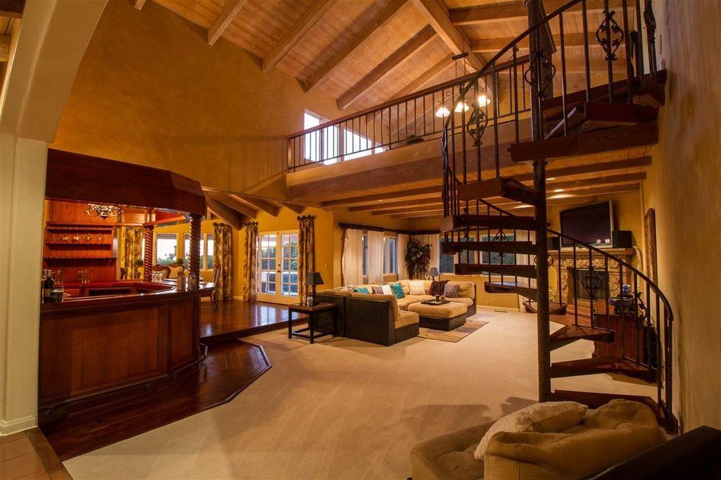 9450 La Jolla Farms Rd La Jolla Ca 92037 Living Room Upstairs