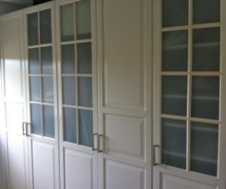 armario ikea con puertas de cristal