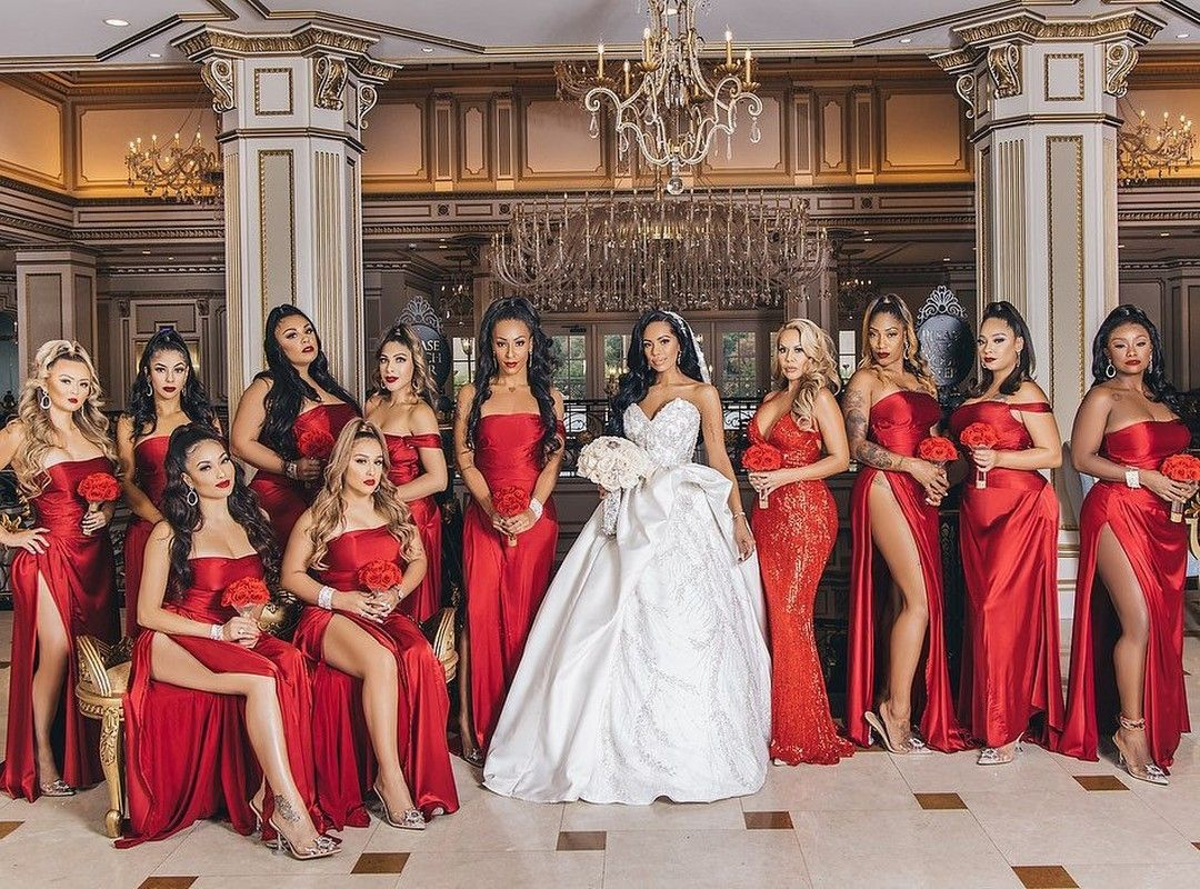 The Incomparable Erica Mena Looked Stunning At Her New York Wedding To Safaree Each Of The Bridesmaid In 2020 Black Wedding Themes Red Wedding Theme Black Red Wedding