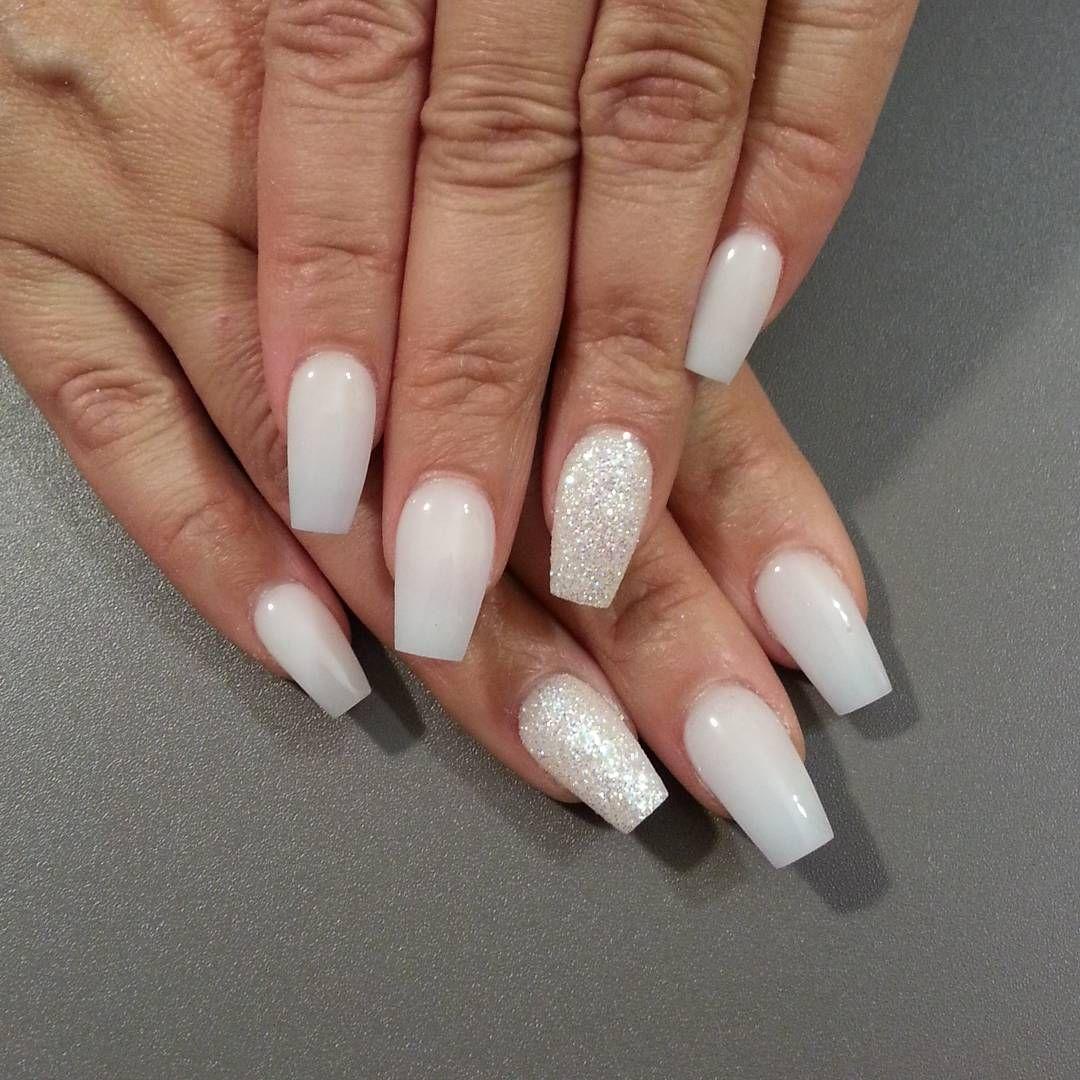 Off White Nails W Glitter Accent Nail Manicure Thenailboss