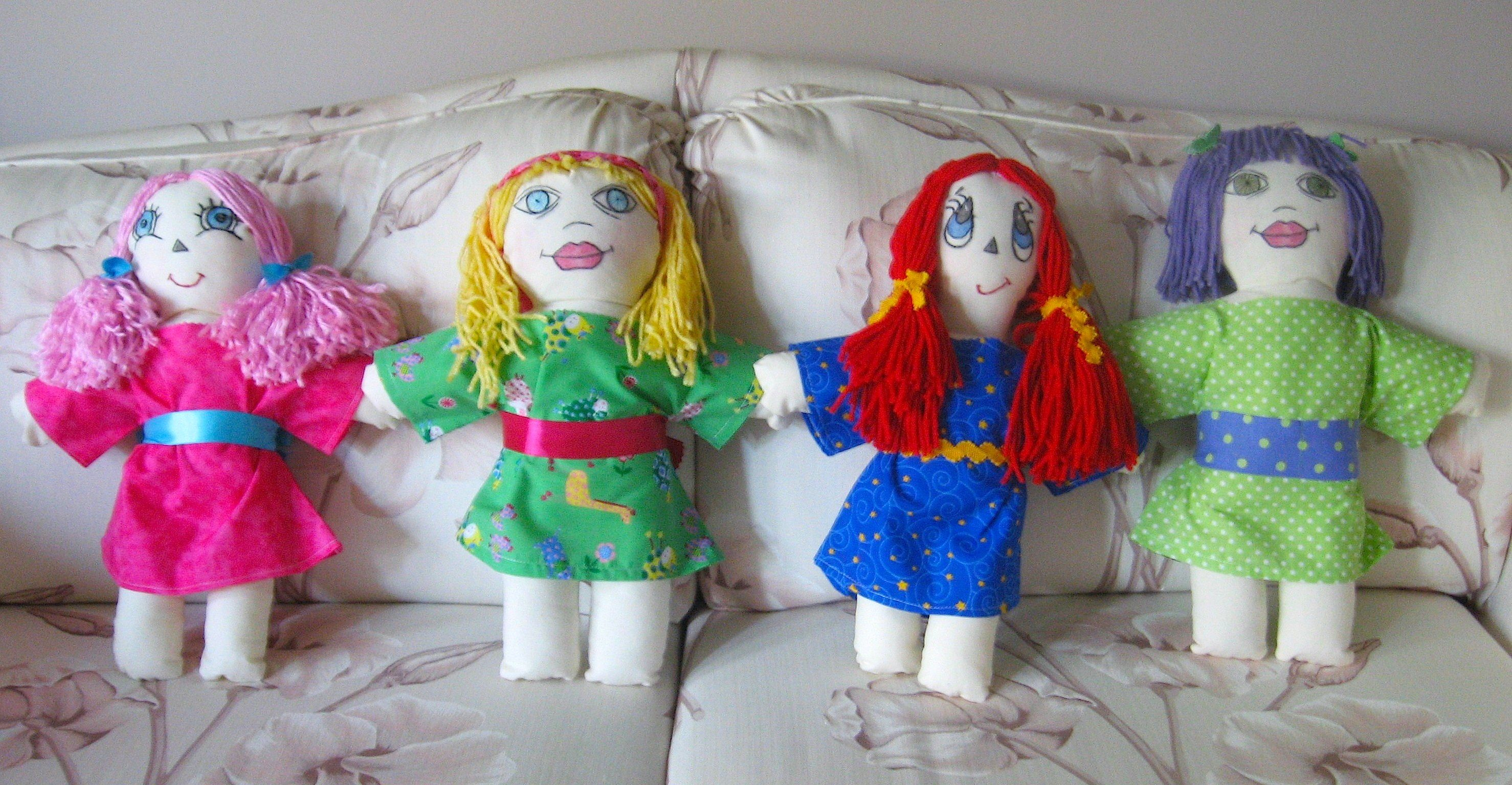 Made these cloth and yarn dolls for the daughters of my niece and nephews.