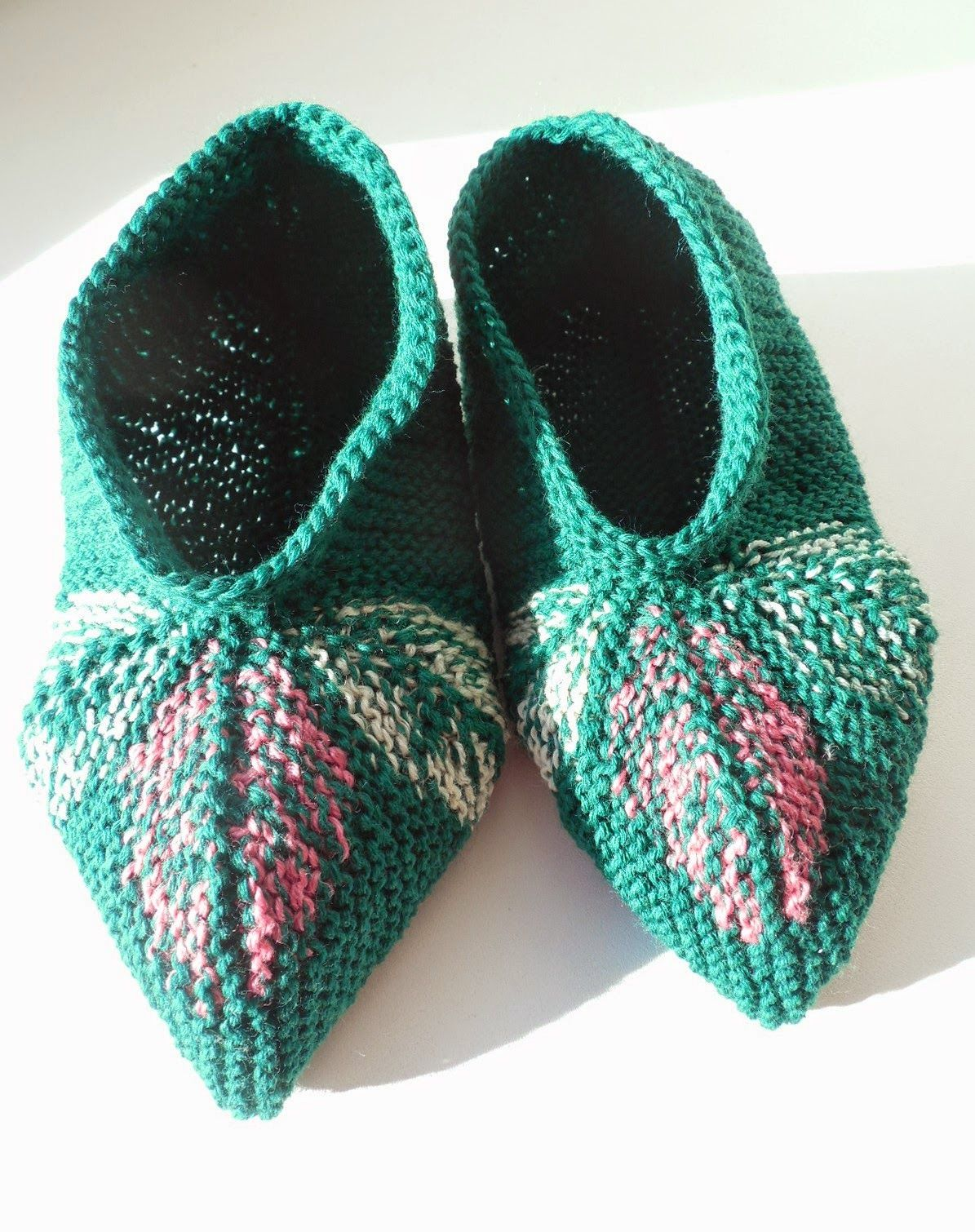 Socks Go Left: Three Leaves Knitted Slippers Pattern | accessories ...