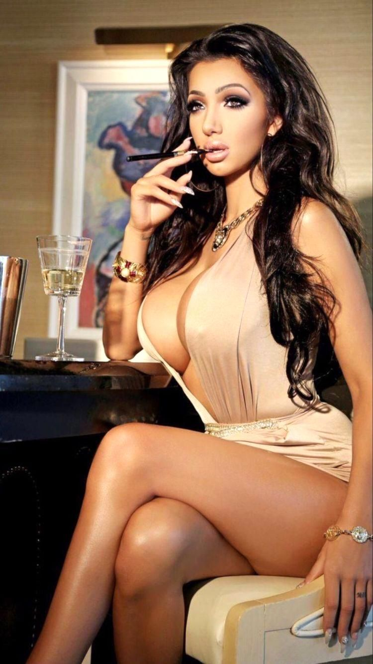 Chloe Khan Sexy - 9 Photos new pictures