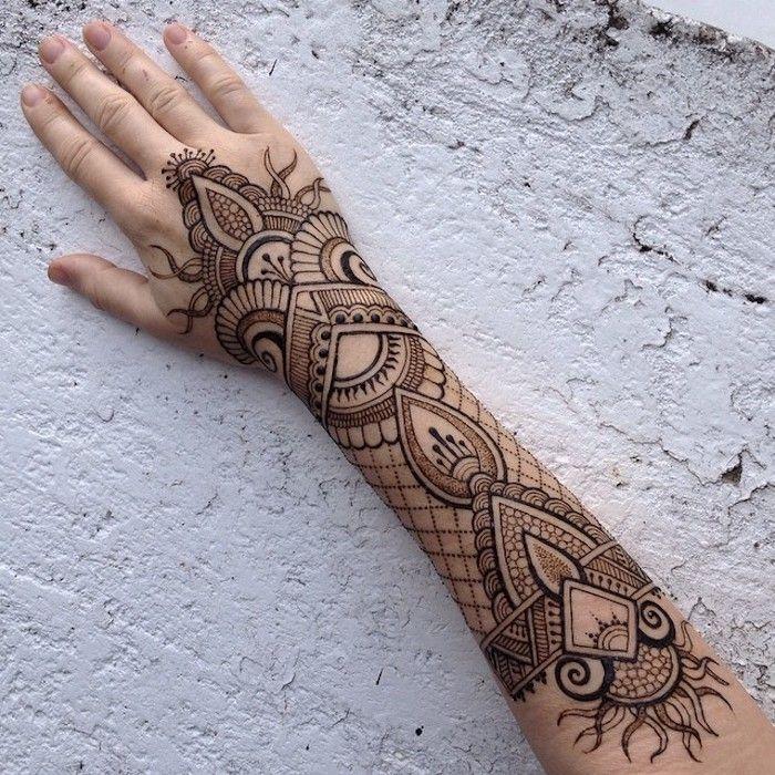 1001 ideen wie sie ein henna tattoo selber machen. Black Bedroom Furniture Sets. Home Design Ideas