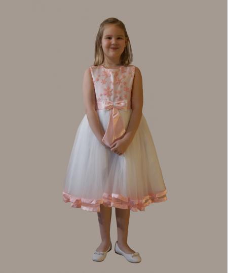 Robe Flore rose perle - A partir de 75,90 € TTC - Tailles de 1 à 10 ans - 06 66 61 94 98