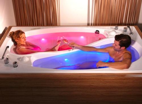 Odd Shaped Bathtubs | Bathtub Built For Two: The Yin Yang Tub By Trautwein