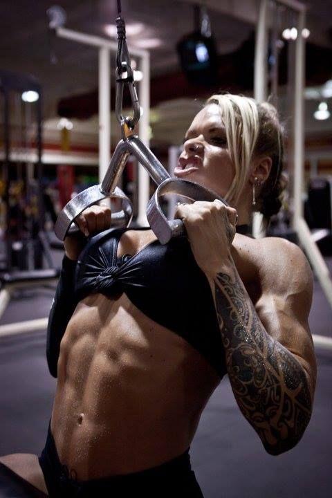 Larissa Reis Wallpapers | BodyBuildersWalls.com