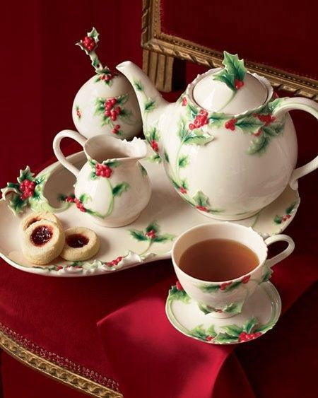 Beautiful Christmas tea set! (source: pinterest.com) | Christmas ...