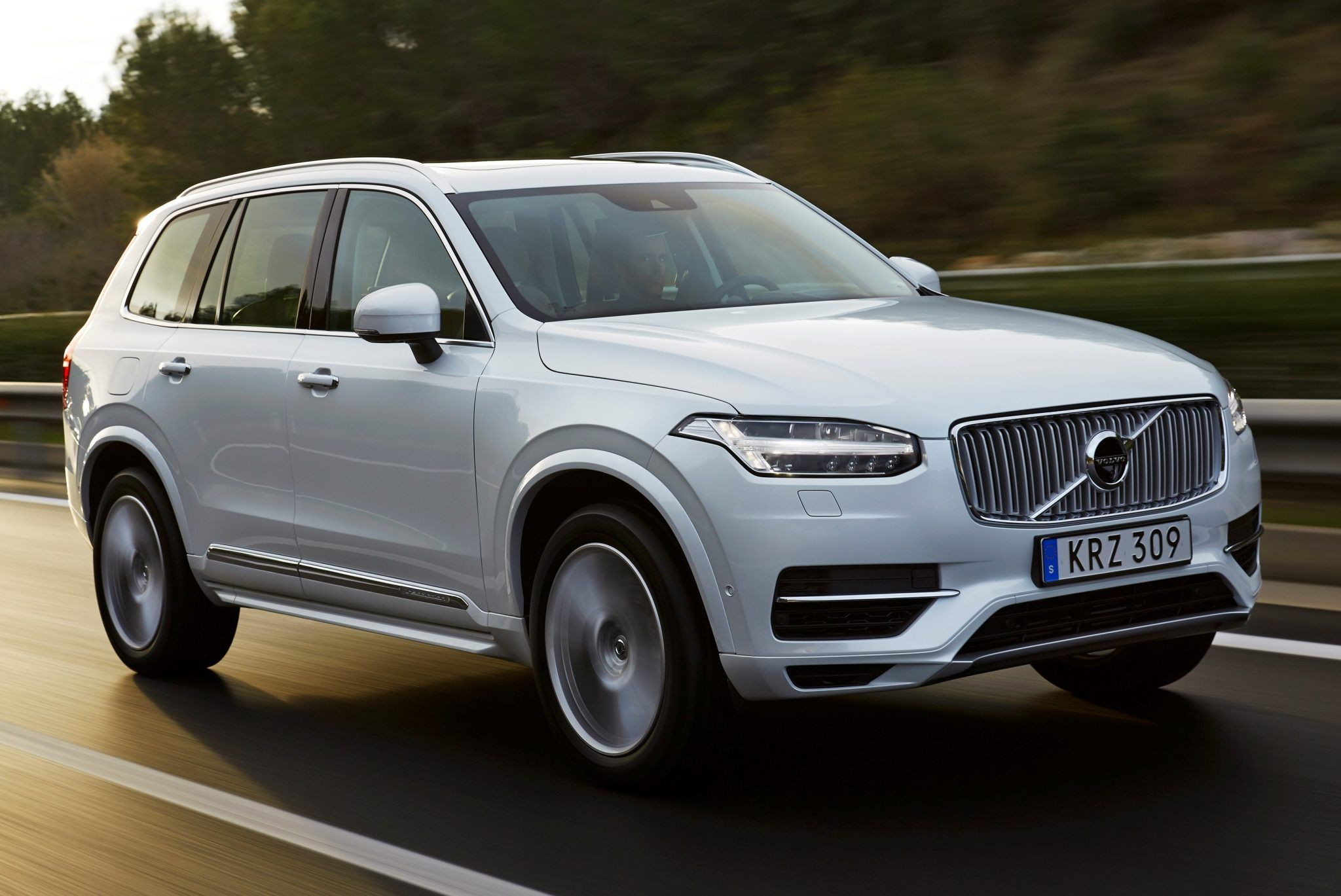 2019 volvo xc60 release date