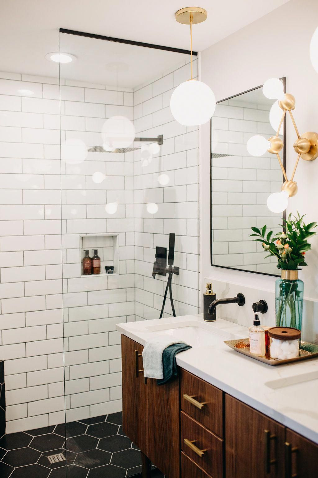 Use One Color Mix And Match Or Stick With Neutrals For A More Subtle Approach To Geometry Find More Mid Century Modern Tile Inspira In 2020 Mid Century Modern Bathroom Modern Bathroom