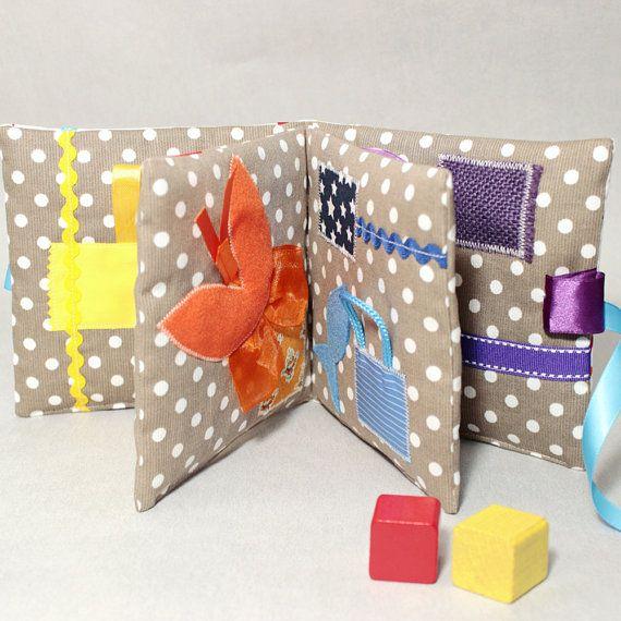 livre eveil et sensoriel montessori jeu d 39 veil livre. Black Bedroom Furniture Sets. Home Design Ideas