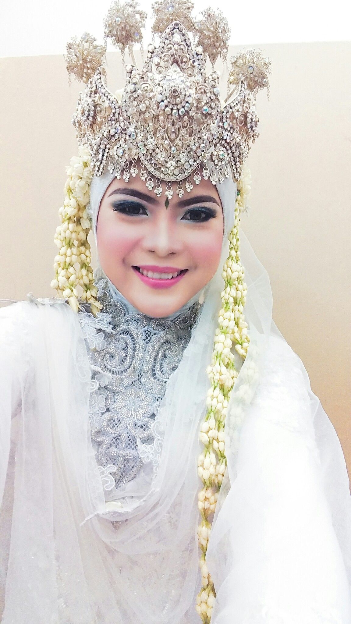 Wedding, muslim wedding, siger, adat sunda  Kursus hijab
