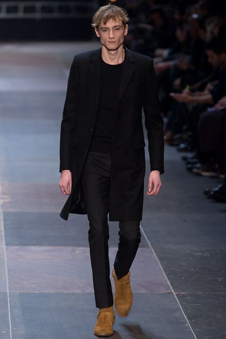 251932ae88a Combining coats and black #Saint Laurent Men Fall 2013 | style in ...