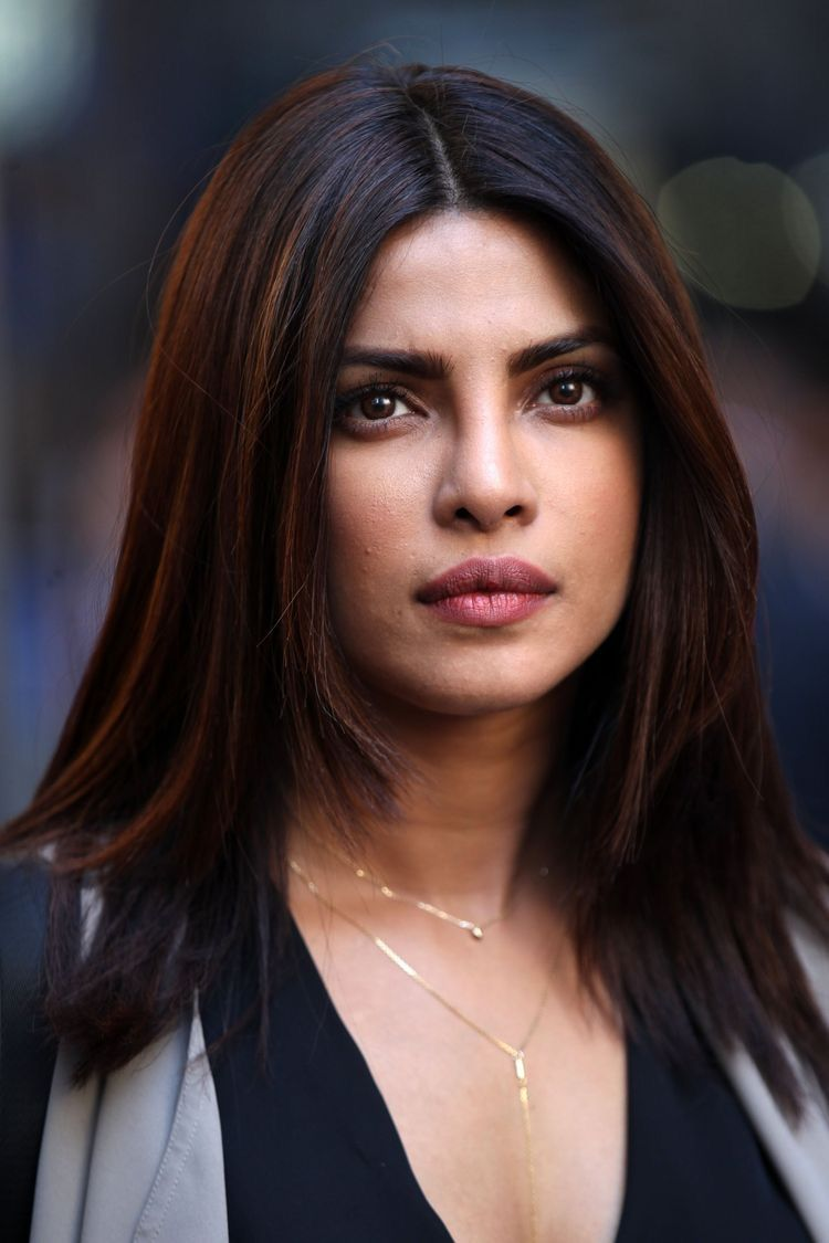 Priyanka Chopra In 2020 Indian Skin Hair Color Priyanka Chopra
