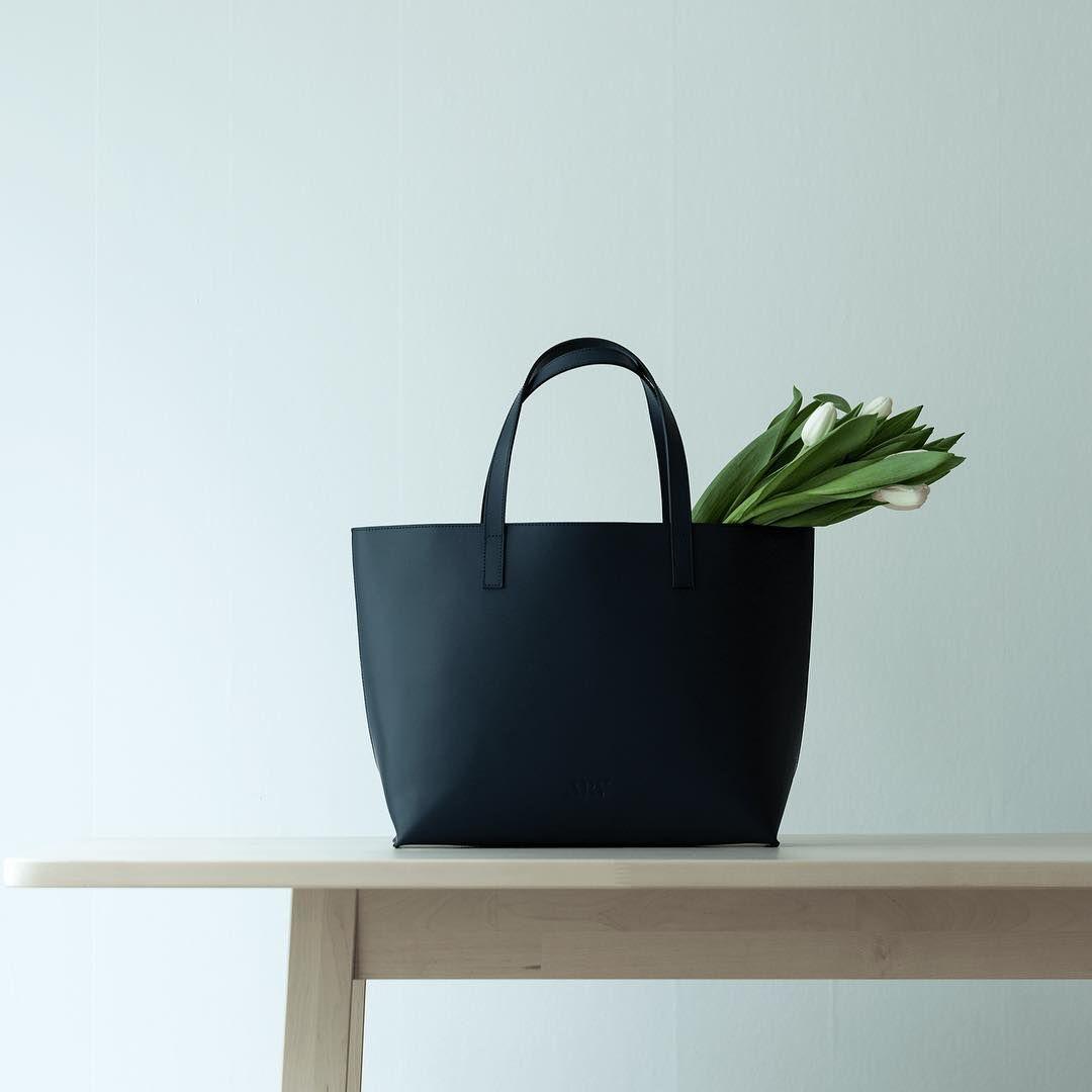 Viola Bucket Bag Stor veske Svart Arv Design
