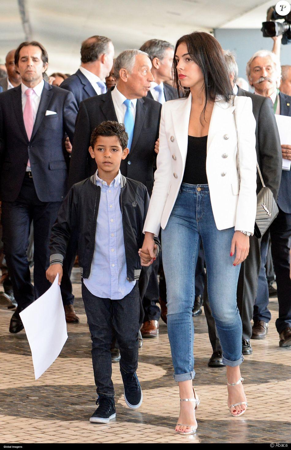 Cérémonie à l aéroport de Madeire rebaptisé aéroport Cristiano Ronaldo 77adb0c6552dc