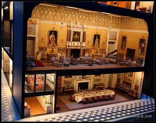 5213 Windsor Castle Dollhouse