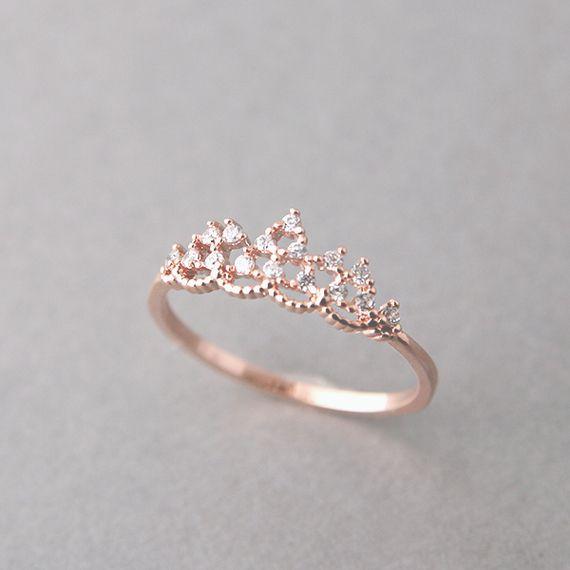 gran selección de 33d8f f42a7 25 Anillos de compromiso en forma de corona que tu princesa ...