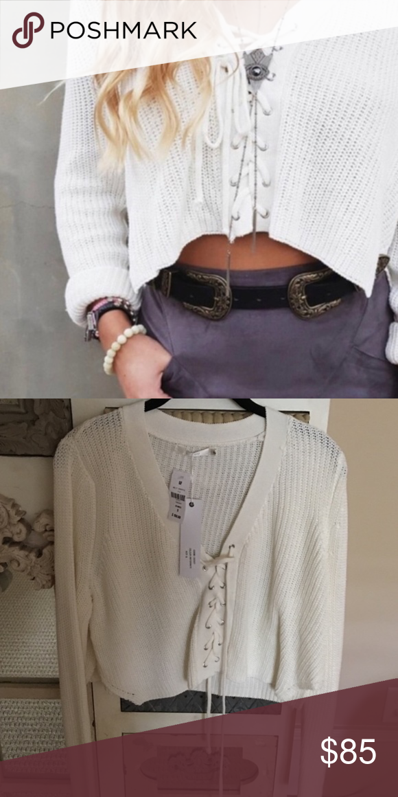 32ed5aec9b LF Lace up cropped sweater