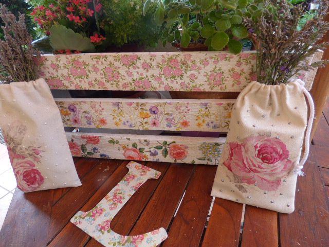 otra caja de madera esta decorada con servilletas para decoupage