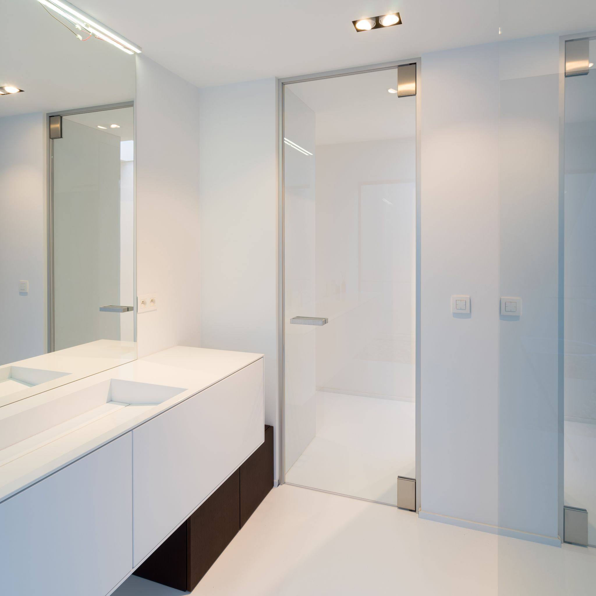 Bathroom Interior Door Glass Interior Door From Floor To Ceiling In A Modern Bathroom