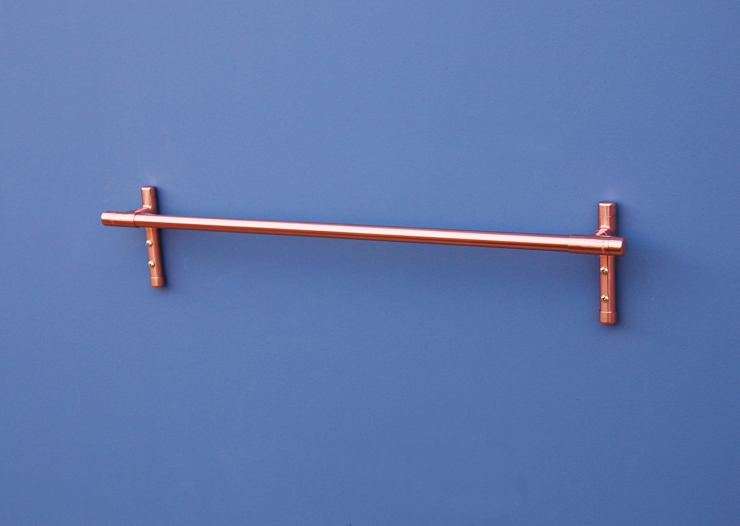 Modern, Minimal Styling Gives This Pure Copper Towel Rail A Real ...