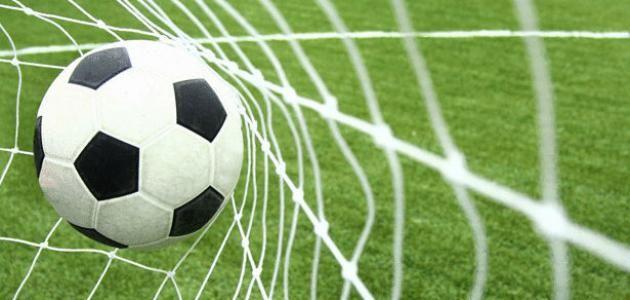 خطوات تعليم كره القدم للمبتدئين تعريف لعبة كرة القدم لعبة كرة القدم هي لعبة رياضية لها أصول قديمة تمتد إلى جذور الماضي فقد ك Soccer Goal Soccer Bet Football