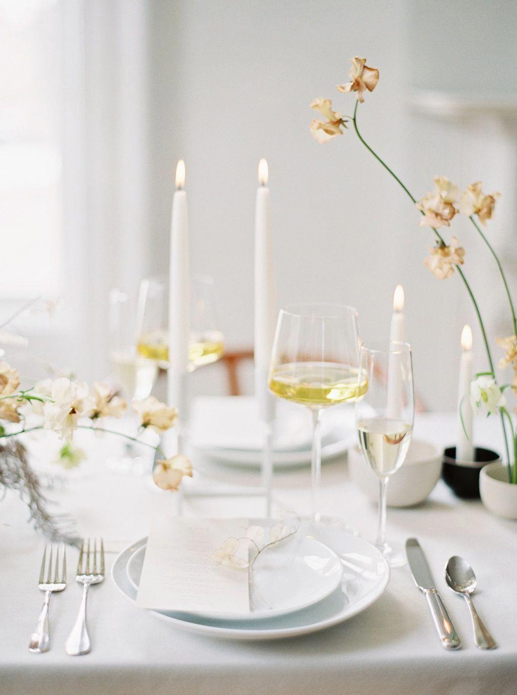 Adaptable Centralized Wedding Centerpieces Reveal My Mystery Coupon Wedding Table Wedding Table Settings Wedding Table Centerpieces