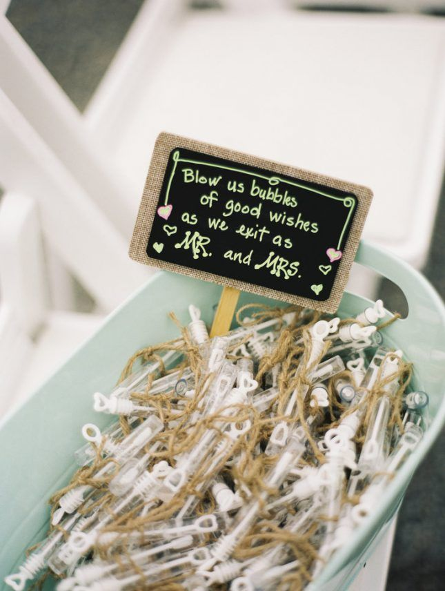 Stunning Things To Throw At Weddings Ideas - Styles & Ideas 2018 ...