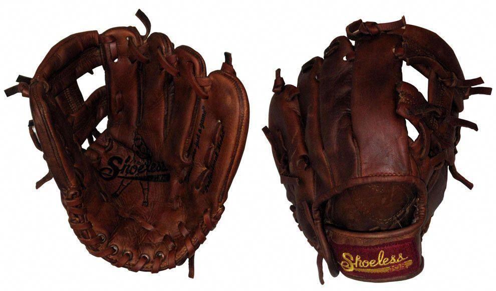 9 Youth Shoeless Joe Baseball Glove 900jrr Handmade And Broken In Youthbaseballgloves Youth Baseball Gloves Baseball Glove Baseball Helmet