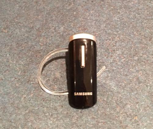 Samsung Bluetooth Headset - HM1000 https://t.co/uFlhwhCmna https://t.co/FTb9Z8ZEeZ
