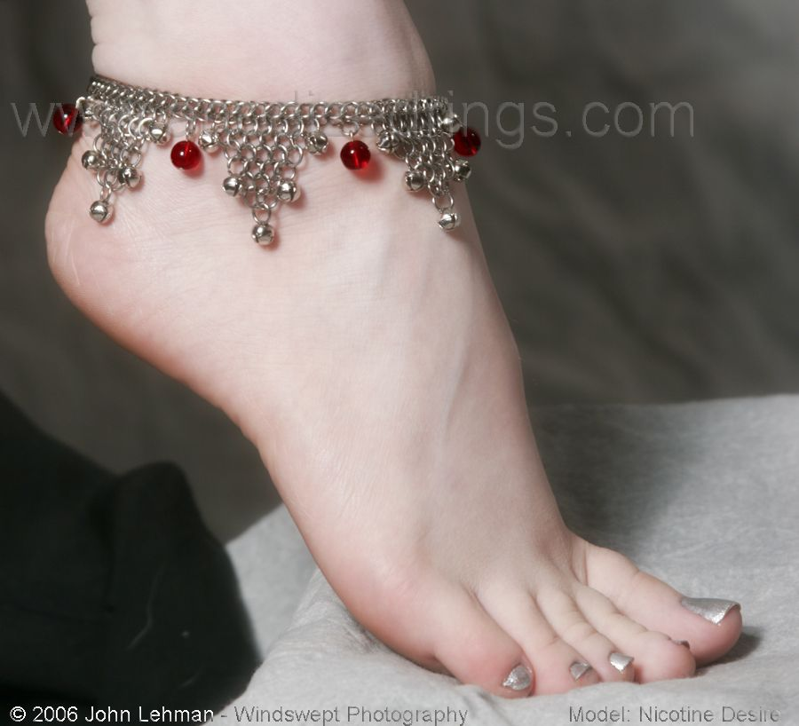 how style anklet meanings ways anklets wear of bracelets tips ankle for cool rules to fashionisers wearing