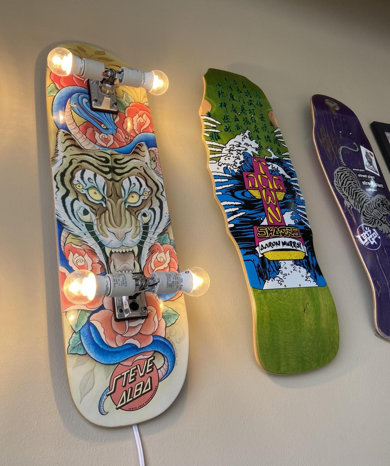 Skateboard Deck Display Floating Mount In 2020 Skateboard Decks Skateboard Cool Deck