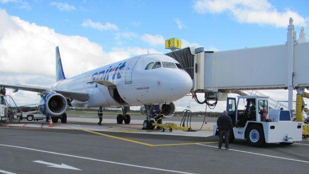 A Plane At Atlantic City International Airport Atlantic City International Has A Single Terminal Fe Philadelphia International Airport Atlantic City Aircraft